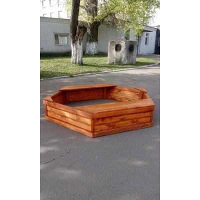 Песочница из дерева «Шестигранная» 160*160 см фото